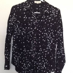 TWO by Vince Camuto Bird Print L/S Button Top